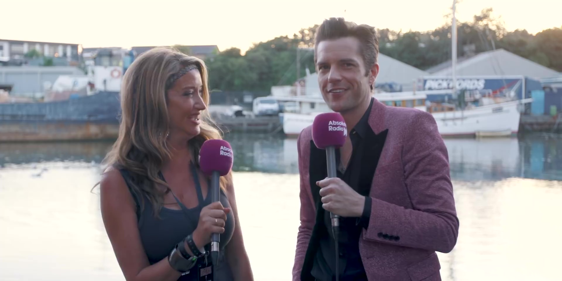 Intervista con Absolute Radio all'Isle of Wight Festival