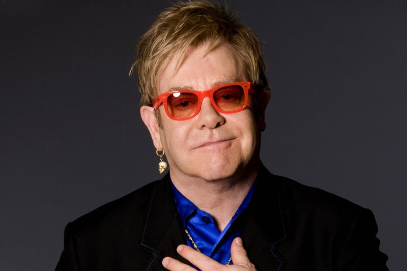 Un duetto con Elton John per Natale