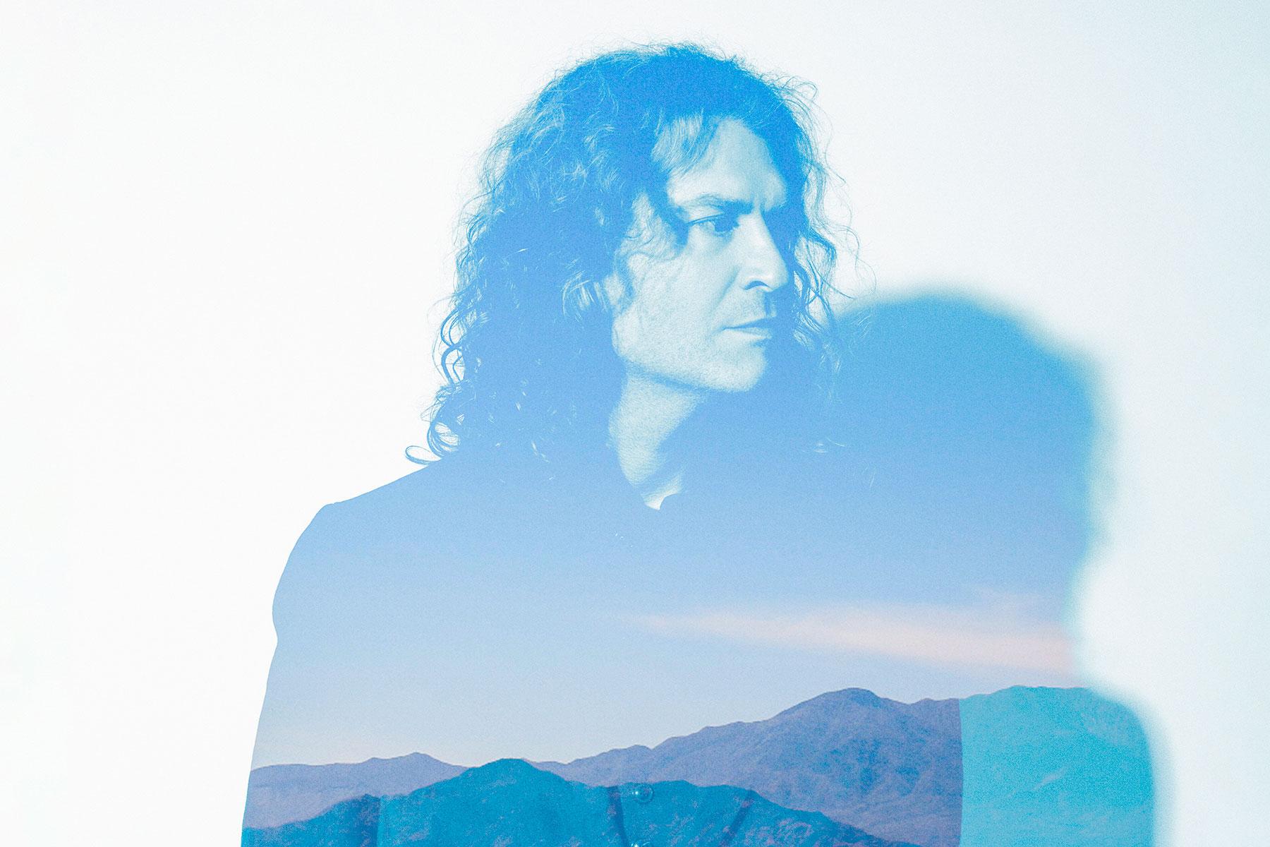 In attesa del nuovo album della band Dave sta per pubblicare il suo secondo solista