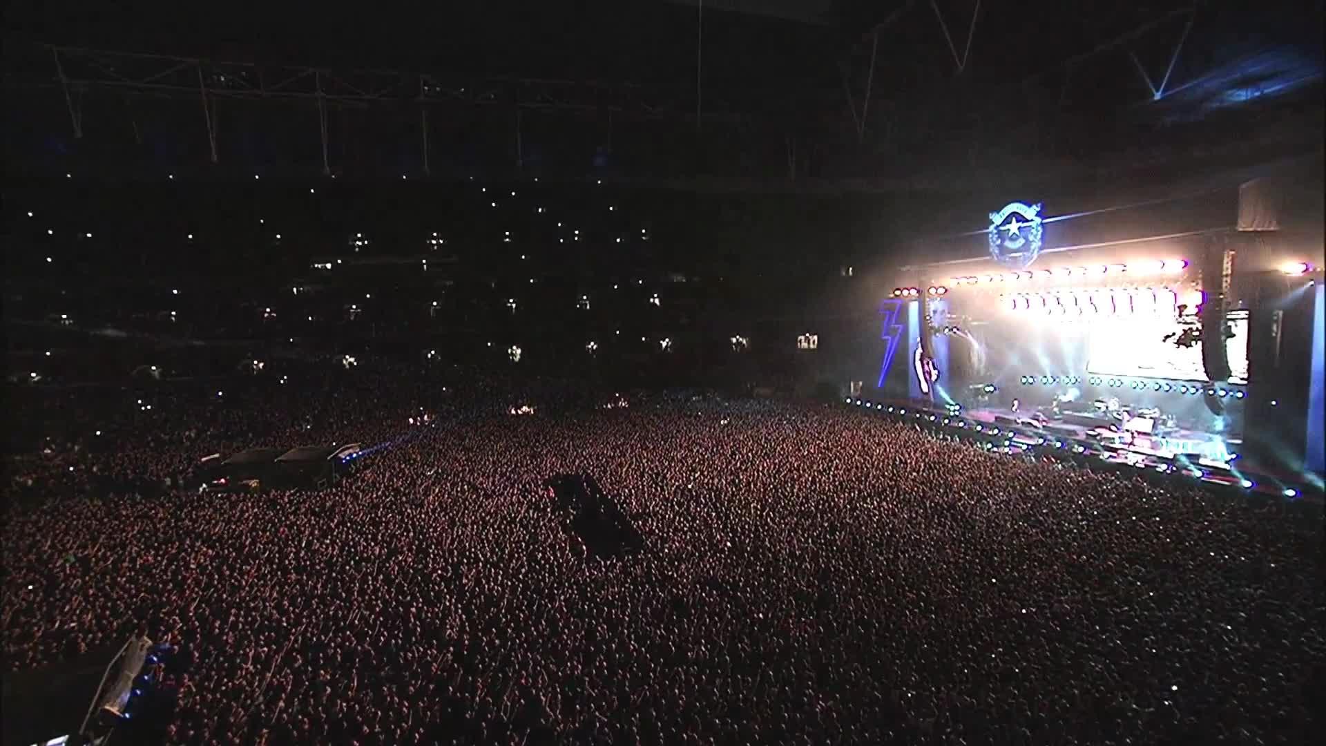 Il video di Wembley Song